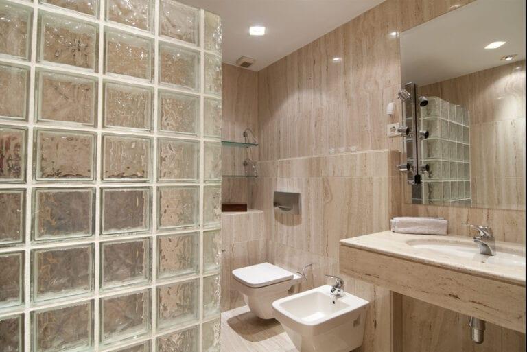 Apersonal interiorismo y decoración baño