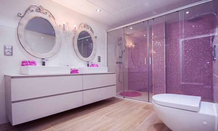 Apersonal interiorismo y decoración Reforma baño en rosa
